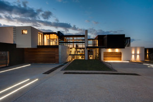House Boz | Case unifamiliari | Nico van der Meulen Architects
