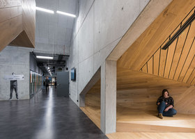Akademeia High School in Warsaw | Schools | Medusagroup