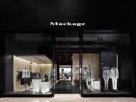Mackage Tec + Yorkdale | Shop interiors | Burdifilek