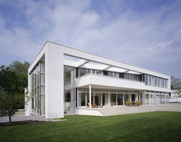 Villa zum Rhein | Detached houses | Dibelius Architekten