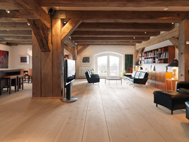 Exclusive residence in the old warehouse | Manufacturer references | DINESEN