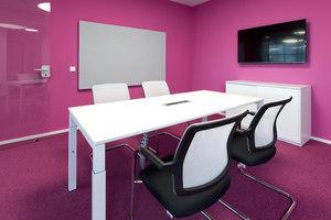 STUDITEMPS GmbH | Herstellerreferenzen | WINI Büromöbel