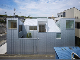 Complex House | Case unifamiliari | Tomohiro Hata Architect and Associates