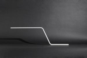 """Schreibtischleuchte """"zlinn"""" aus DuPont™ Corian®   Herstellerreferenzen   DuPont Corian"""