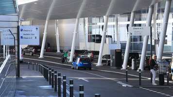 Zurich Airport Forecourt | Manufacturer references | BURRI