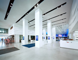 Drive. Volkswagen Group Forum | Trade fair stands | macom | AudioVisual Design
