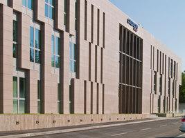 Cedacri Group Headquarter | Herstellerreferenzen | Casalgrande Padana