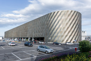 Stuttgart Airport Bus Terminal with Parking Garage | Infrastructure buildings | wulf architekten