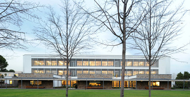 Telefónica Corporate University in Parc de Belloch | Herstellerreferenzen | Santa & Cole