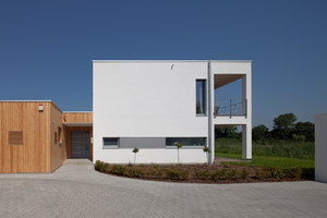 House at reed side | Manufacturer references | pur natur