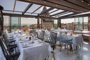 Robins Cafè & Restaurant | Herstellerreferenzen | Kartell