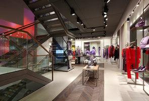 Laurèl flagship store Munich | Manufacturer references | Large Luminous Surfaces (Signify)