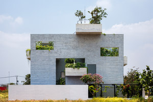 Binh House | Detached houses | Vo Trong Nghia Architects
