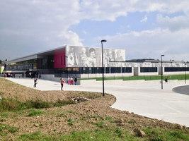 Collège Crevin | Manufacturer references | Graphic Concrete