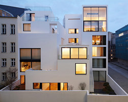 Housing at the old city wall of Berlin | Immeubles | Atelier Zafari