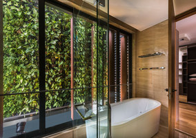 Green Wall House | Detached houses | ADX Architects