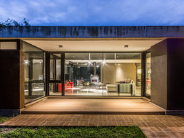 Linear House | Detached houses | Roberto Benito Arquitecto