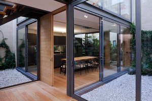 House with Four Courtyards | Einfamilienhäuser | Andrés Stebelski Arquitecto