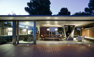 One Column House | Casas Unifamiliares | NE-AR