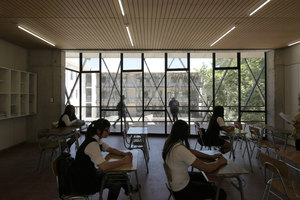 Las Nieves Technical Vocational School | Écoles | WRL Arquitectos