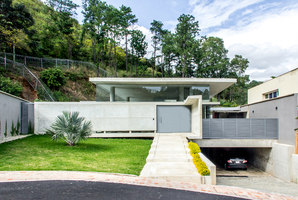 GUAPARO HOUSE | Detached houses | NMD | NOMADAS