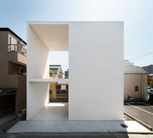 Little House with a Big Terrace | Detached houses | Takuro Yamamoto Architects