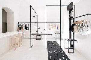 Showroom. | Negozi - Interni | Zuzana Hartlova