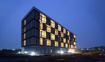 Passive House Bruck | Apartment blocks | Peter Ruge Architekten