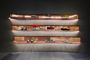 Level Shoe District | Shop-Interieurs | Shed Design