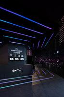 NIKE+ RUN CLUB hubs land | Showrooms / Salónes de Exposición | Coordination Asia