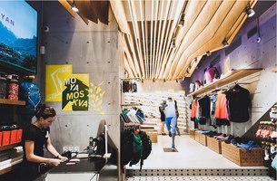 Stride | Intérieurs de magasin | Rosie Lee