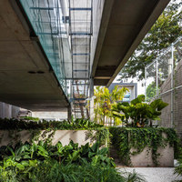 Weekend House in Downtown São Paulo | Detached houses | spbr arquitetos