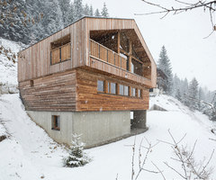 Mountain House | Detached houses | studio razavi architecture