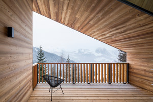 Mountain House | Casas Unifamiliares | studio razavi architecture