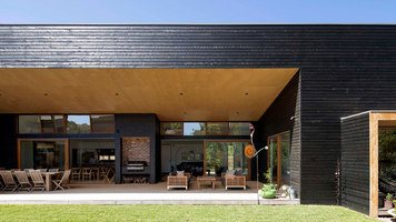 Summer Beach House | Detached houses | Adrian Bonomi Architect