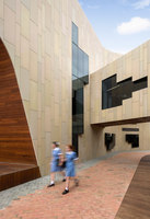 Ruyton Girls School - Margaret McRae Building | Écoles | Woods Bagot