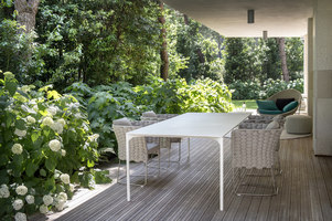 Garden in pinewood | Jardines | Frassinagodiciotto