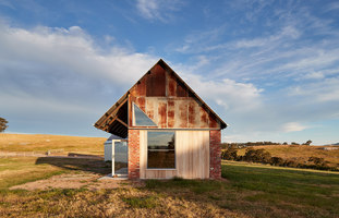 Nulla Vale House and Shed | Detached houses | MRTN Architects