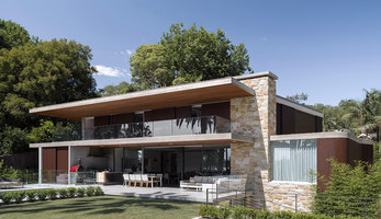Sticks and Stones Home | Maisons particulières | Luigi Rosselli Architects