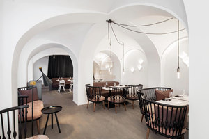 Lingenhel | Bar interiors | destilat