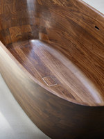 Shell Bathtub | Prototypes | Nina Mair