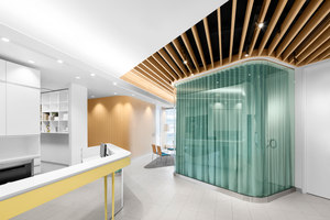 Uniprix Kieu Truong | Shop interiors | Jean de Lessard