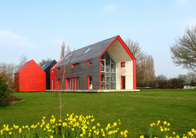 Sliding House | Detached houses | dRMM