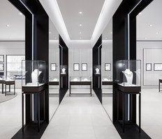 Georg Jensen Munich | Shop interiors | Studio David Thulstrup