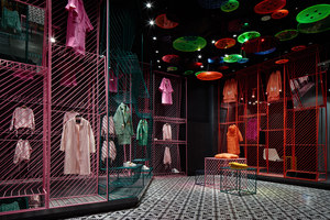 JOOOS Fitting Room | Shop interiors | Li Xiang