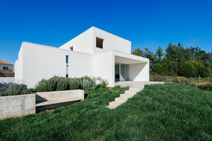 Casa das Preguiçosas | Detached houses | Branco Delrio Arquitectos