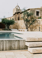Peratallada Castle | Open-air pools | Mesura