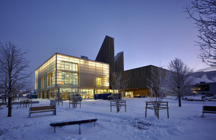 Bok & Blueshuset | Museen | Zenisk