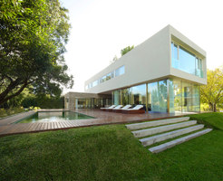 House at Los Cisnes | Detached houses | Fallone | Design & Architecture