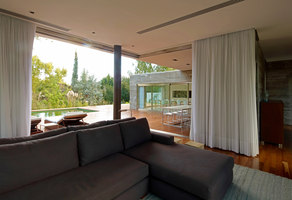 House at Los Cisnes | Detached houses | Esteban Fallone